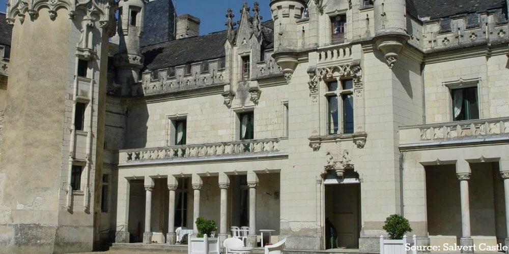 La vie au château de Salvert… après un incendie – Interview!